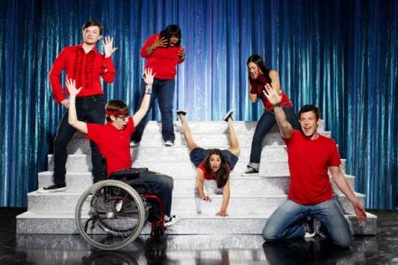 Glee-glee-6211840-2560-1707